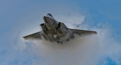 How selecting the Lockheed Martin F-35 could impact Canada's economy